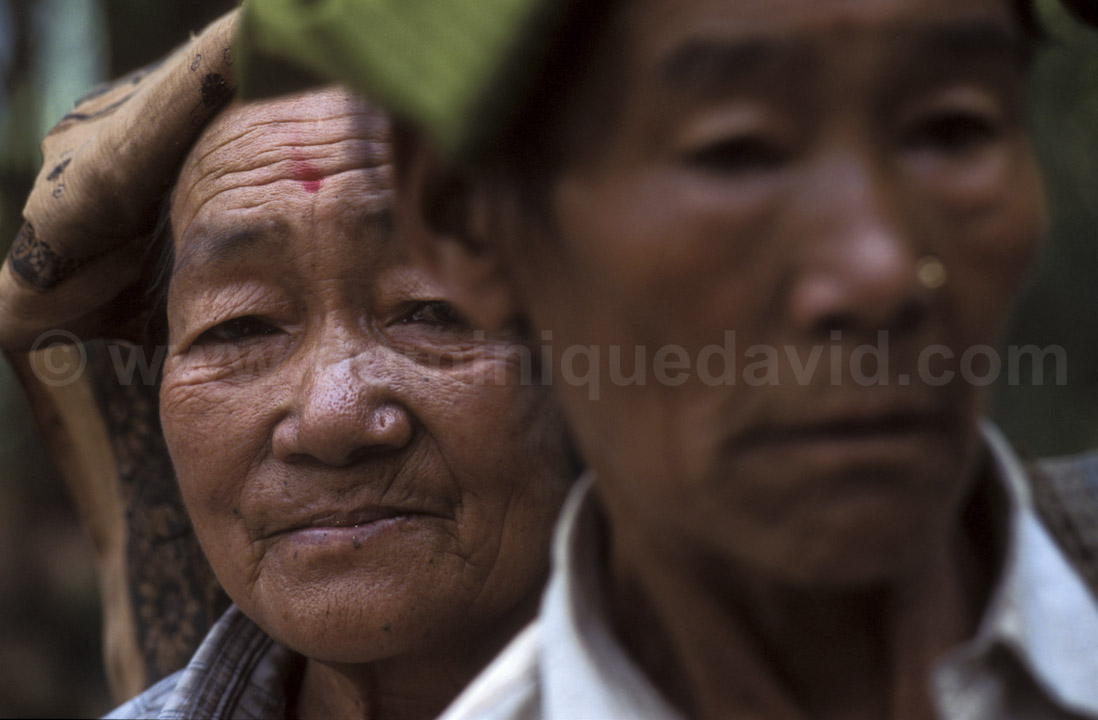 India - Kurseong - Portrait of two pluckers - Photo by Dominique David